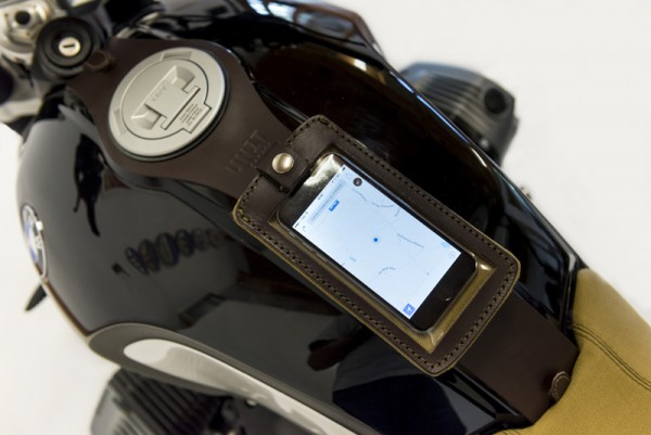 "UNITGARAGE - ""Tank Phone Case"" for BMW - brown"