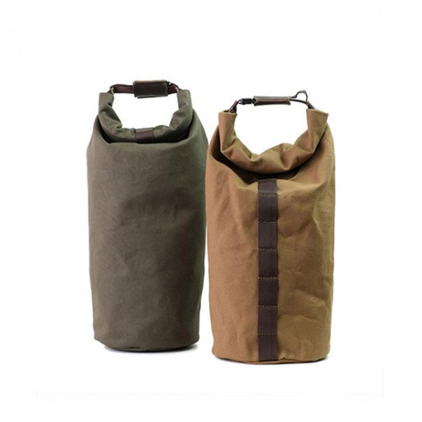 UNITGARAGE Roll Canvas in green or light brown