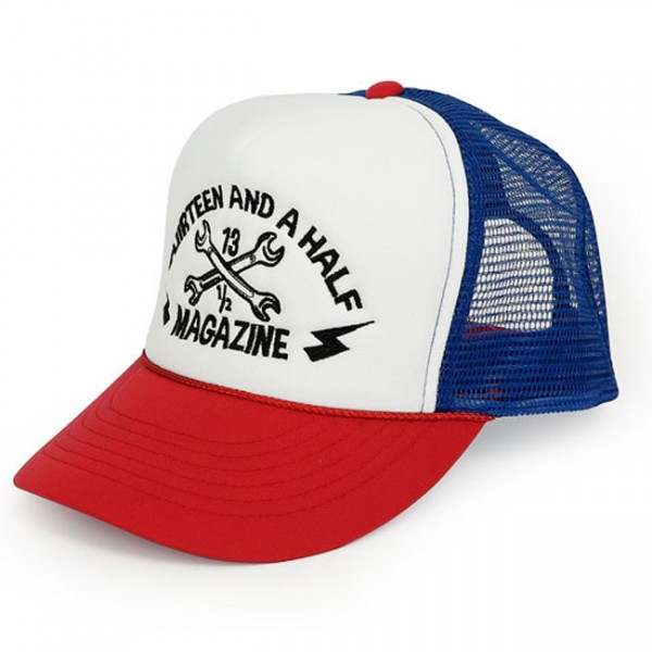 "13 1/2 MAGAZINE Cap - ""Trucker Cap"" - rot, weiß & blau"