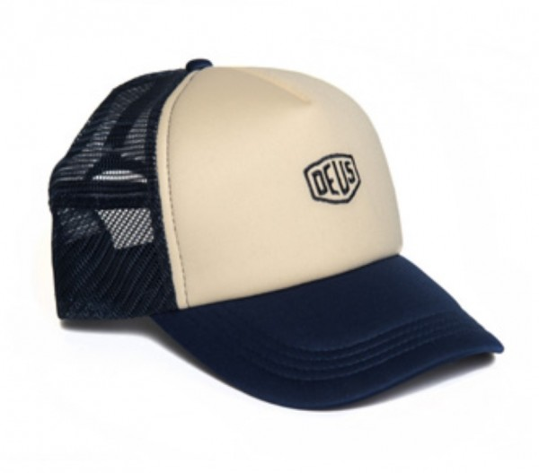 "DEUS EX MACHINA Cap - ""Shield Trucker"" - blau & creme"